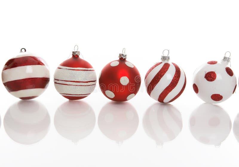 Vijf Feestelijke Snuisterijen van Kerstmis stock foto
