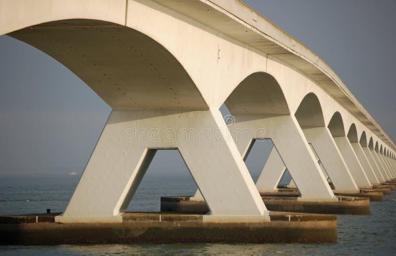 Download Vijf kilometers lange brug stock foto. Afbeelding bestaande uit tegenovergesteld - 10775152