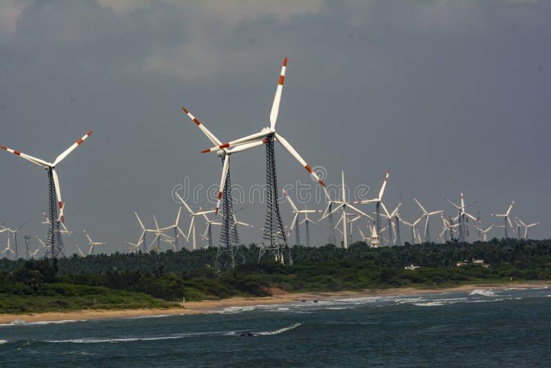 Vijf Krachten van Onze wereld: Wind, Zon, Water, Land en Hemel stock afbeelding
