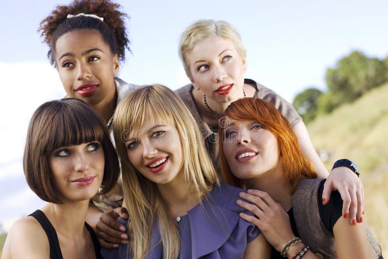 Vijf mooie vrouwen. royalty-vrije stock afbeeldingen