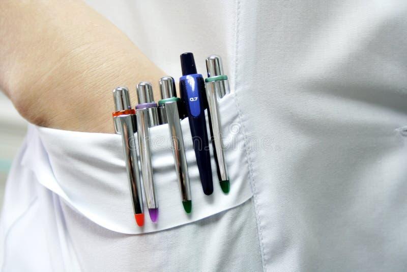 Vijf pennen stock afbeelding