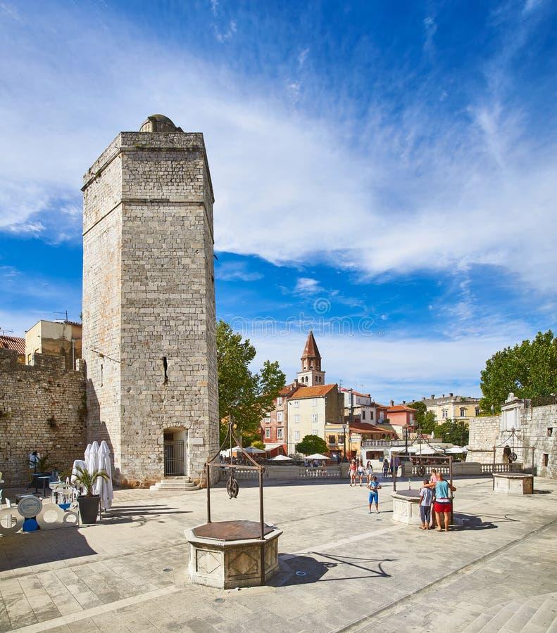 Vijf Puttenvierkant in Zadar; stock foto