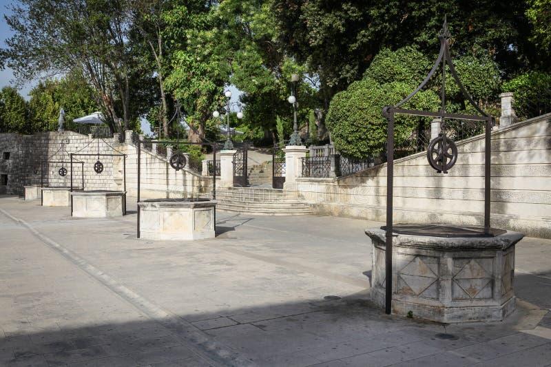 Vijf Puttenvierkant in Zadar royalty-vrije stock foto's
