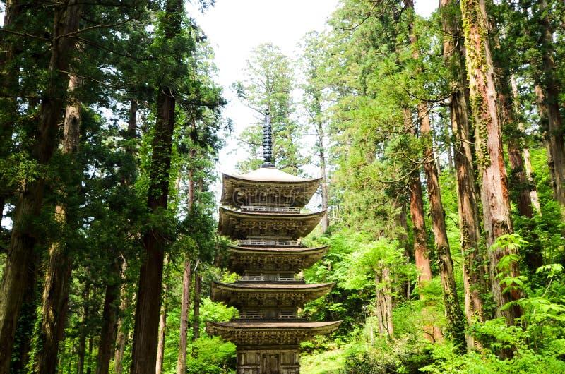 Vijf Storied Pagode van Dewa-Heiligdom in MT Haguro, Yamagata, Japan stock foto