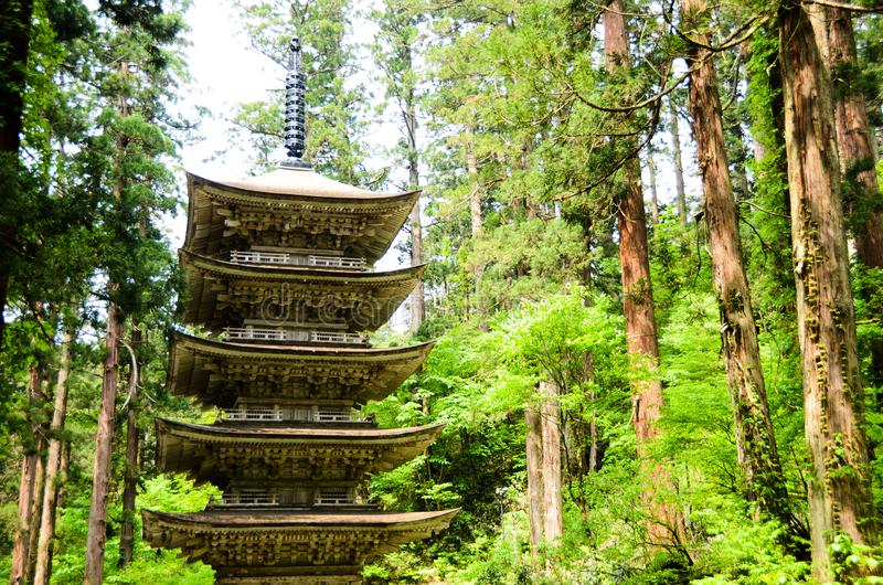 Vijf Storied Pagode van Dewa-Heiligdom in MT Haguro, Yamagata, Japan stock fotografie