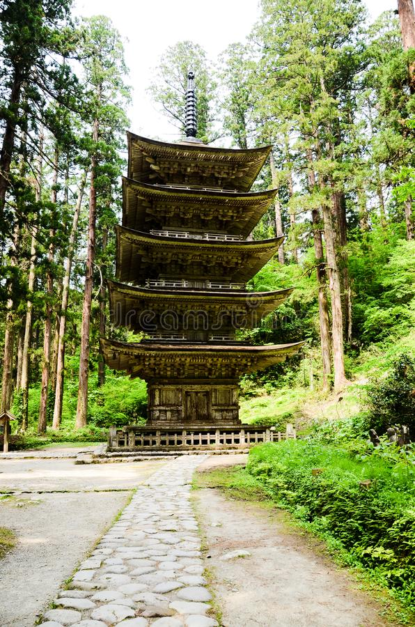 Vijf Storied Pagode van Dewa-Heiligdom in MT Haguro, Yamagata, Japan stock foto's