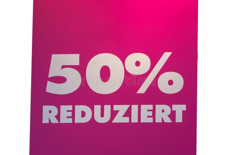 Vijftig percenten van prijskaartje stock afbeelding