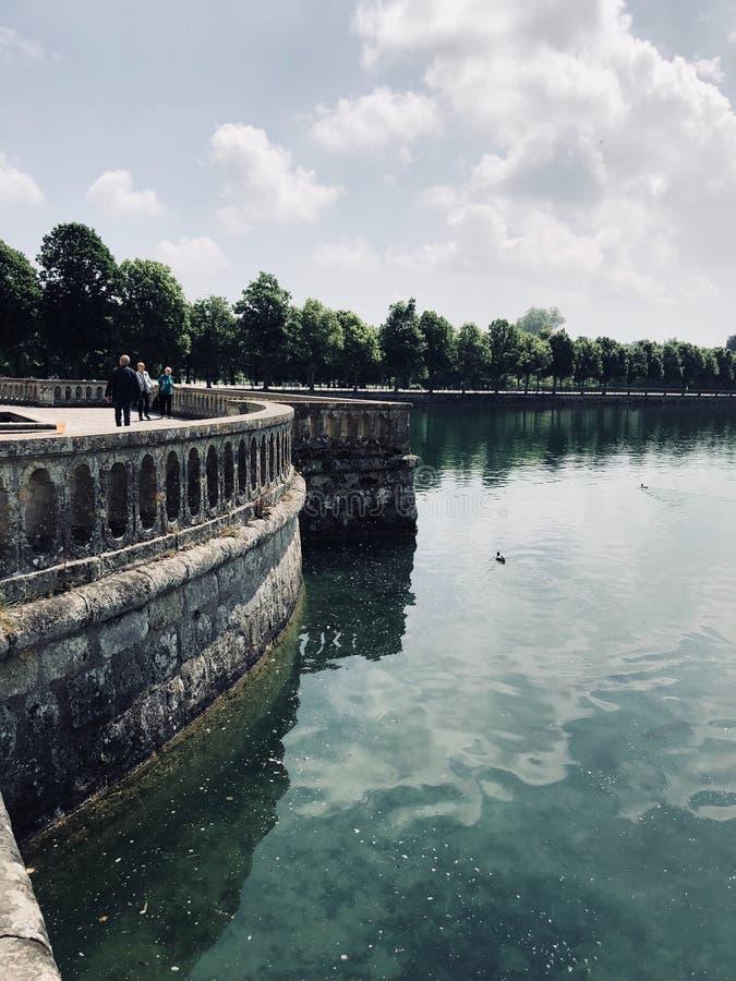 Vijver in de provincie, Frankrijk royalty-vrije stock afbeeldingen