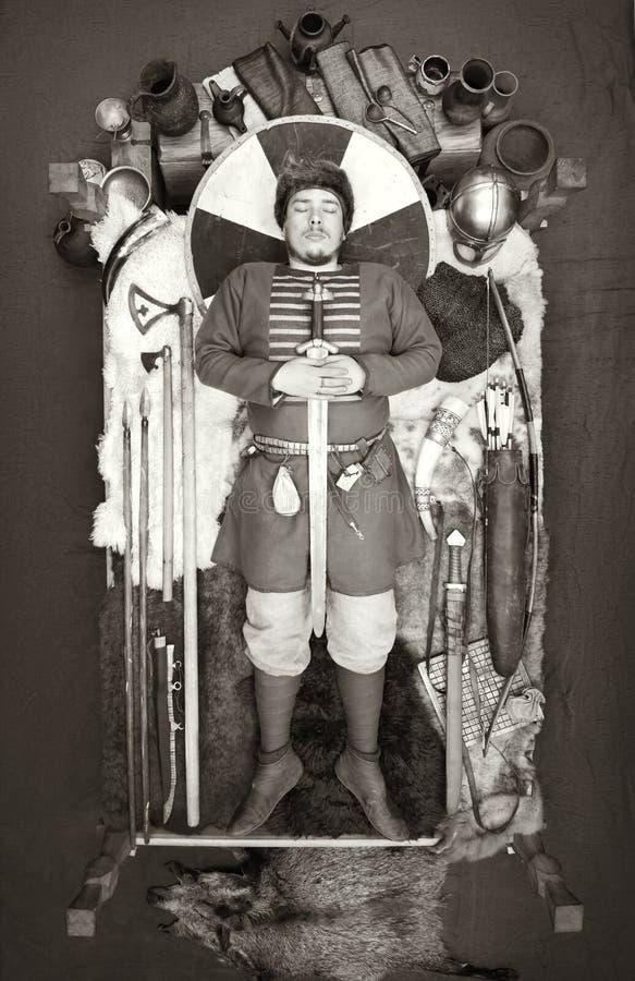 Viking pogrzeb Dziejowa odbudowa zwyczaje antyczni ludzie fotografia stock