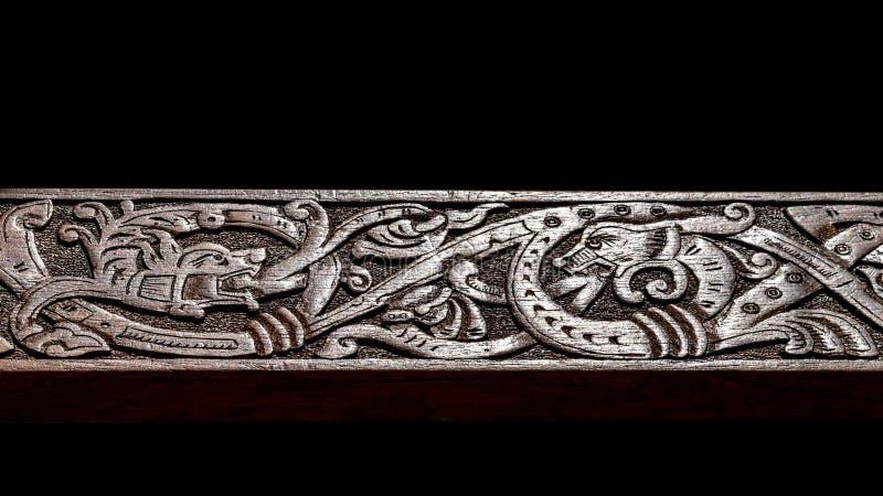 Viking träskulptur royaltyfria foton