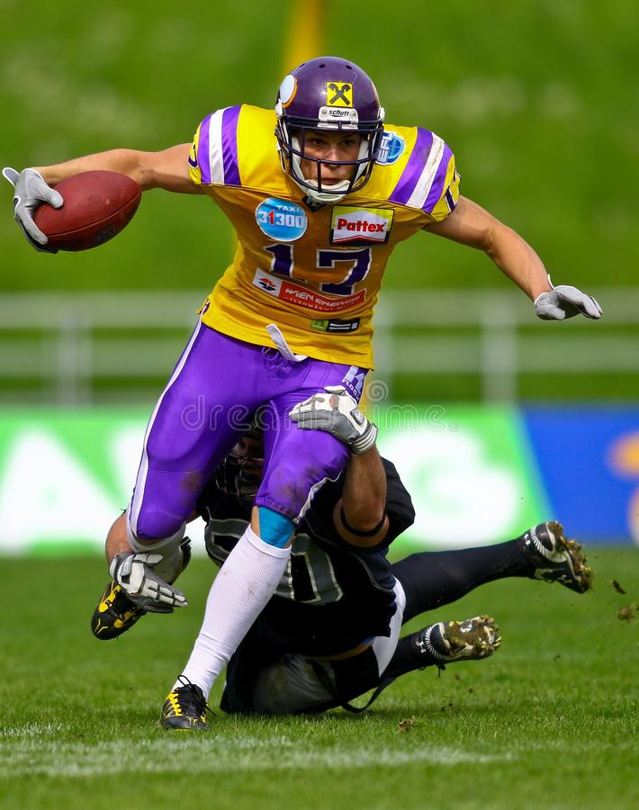 Download Vikings vs. Dracs editorial image. Image of touchdown - 15928520