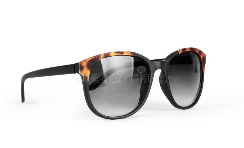 Vikt svart solglasögon som isoleras på vit bakgrund arkivbilder