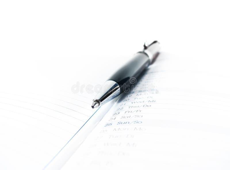 viktig anmärkning som minns - anmärkningar, anteckningsböcker, studien och att lära utformat begrepp royaltyfri bild