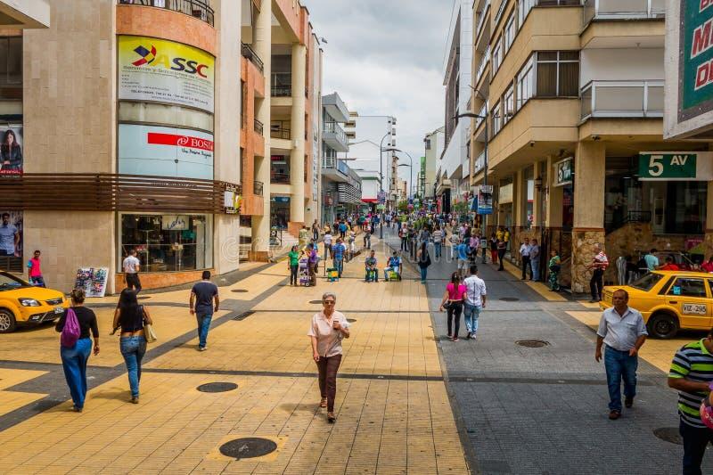 Viktig kommersiell gata en av staden royaltyfri fotografi