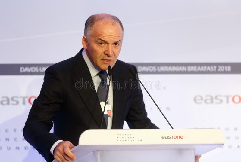 Viktor Pinchuk bij Wereld Economisch Forum in Davos stock afbeelding