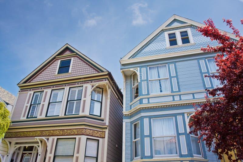 Viktorianische Häuser in San Francisco lizenzfreies stockfoto