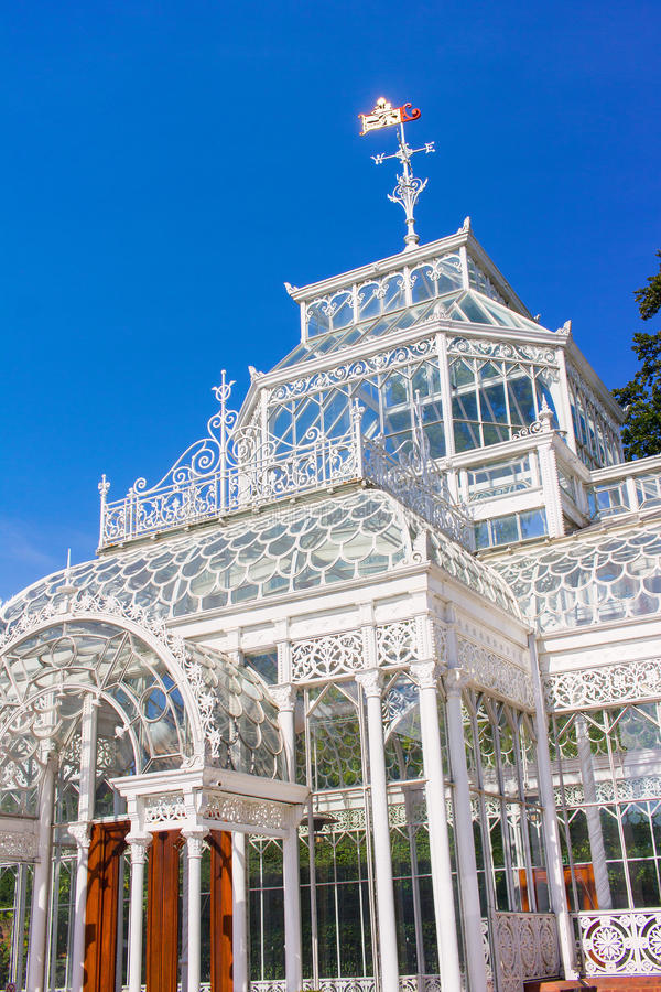 Viktorianisches erhaltendes Gewächshaus stockfoto