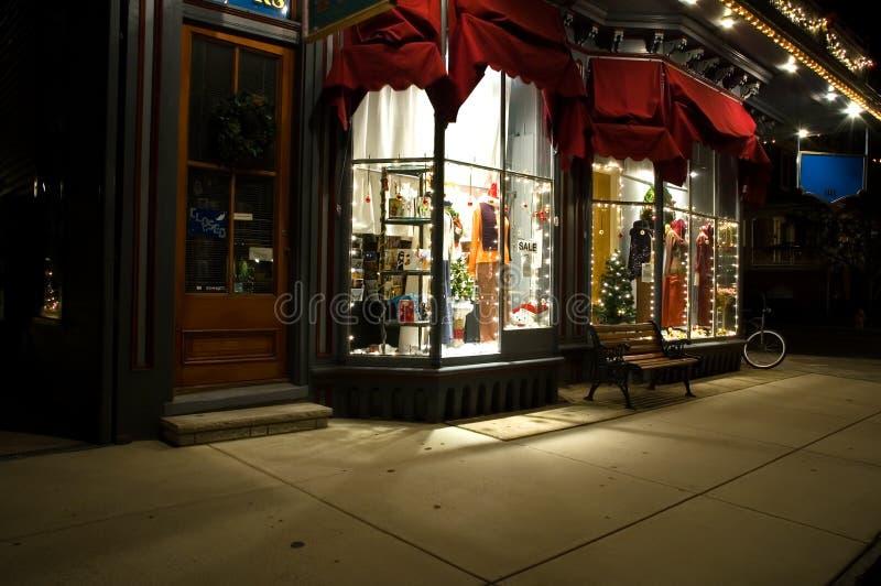 viktorianisches schaufenster am weihnachten stockbild. Black Bedroom Furniture Sets. Home Design Ideas