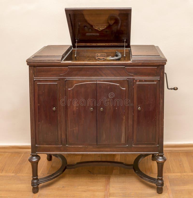 Viktrola- skivspelare, första halvlek av det 19th århundradet royaltyfria foton