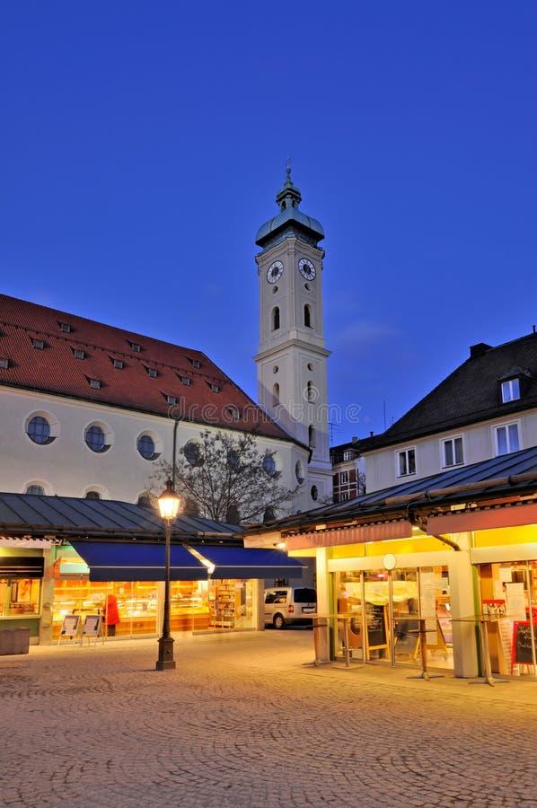 Viktualienmarkt e o Heiliggeist imagens de stock royalty free