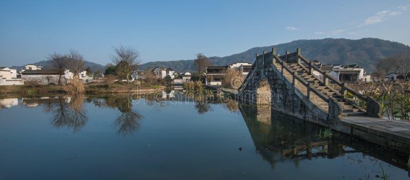 Vila antiga da água de China com ponte, cultura e vida da tradição fotos de stock