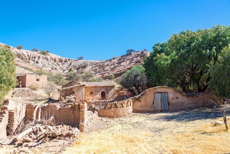Vila arruinada perto de Tupiza, Bolívia fotografia de stock royalty free