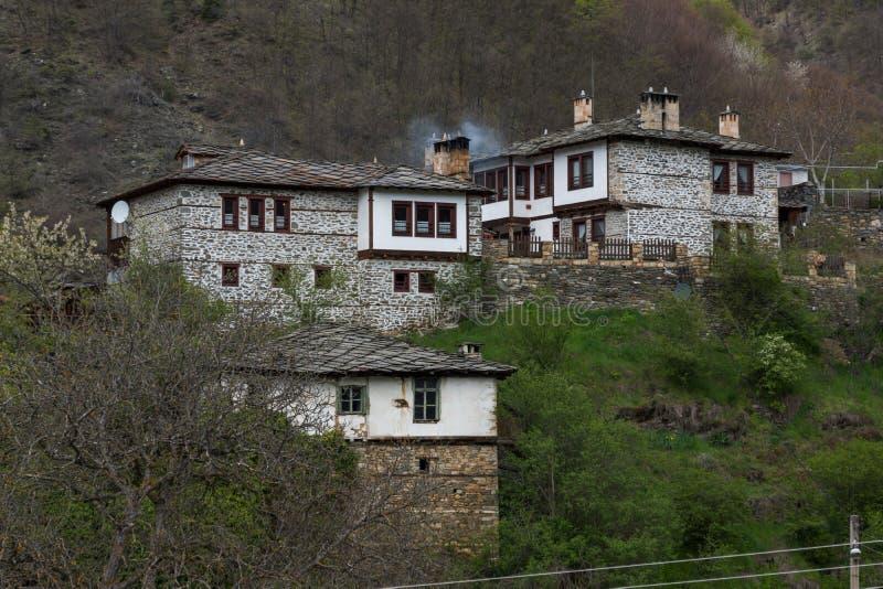 Vila autêntica de Kosovo com casas do século XIX, Bulgária fotos de stock royalty free
