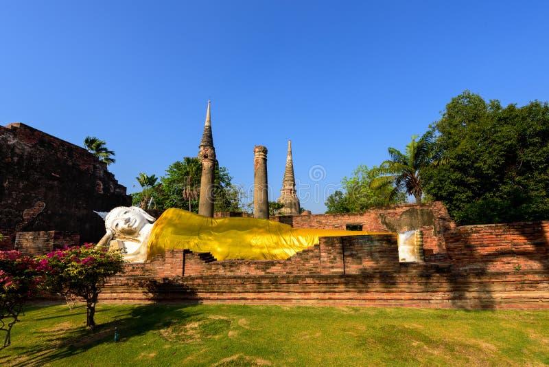 Vila Buddha på Wat Yai Chai Mongkhon i Ayutthaya arkivfoto