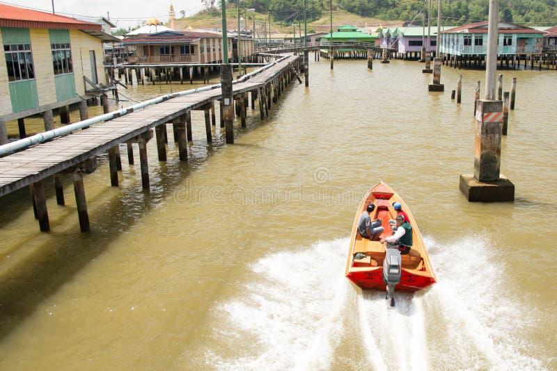 Vila da água, Brunei imagem de stock