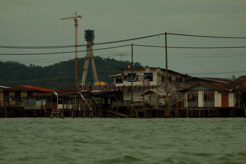 A vila da água de Brunei Darussalam chamou Kampong Ayer com área da construção da estrada em Bandar Seri Begawan imagens de stock