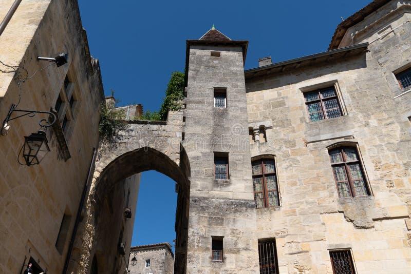 Vila da vila do vinho de Saint Emilion perto do Bordéus França imagem de stock royalty free
