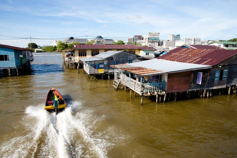Vila de Ayer do Kampong - Bandar Seri Begawan - Brunei Darussalam fotografia de stock