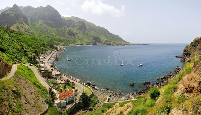 Vila de Fajan D'Agua pelo mar fotos de stock