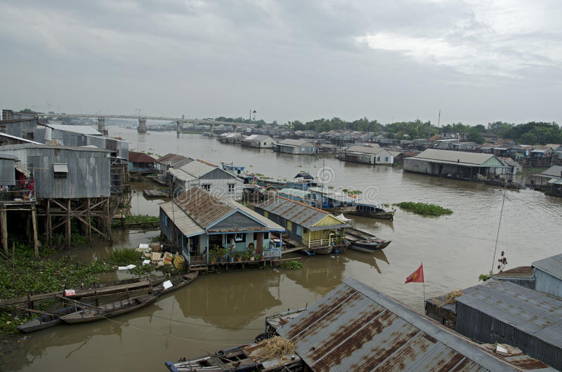 Vila de flutuação de Chau Doc imagens de stock