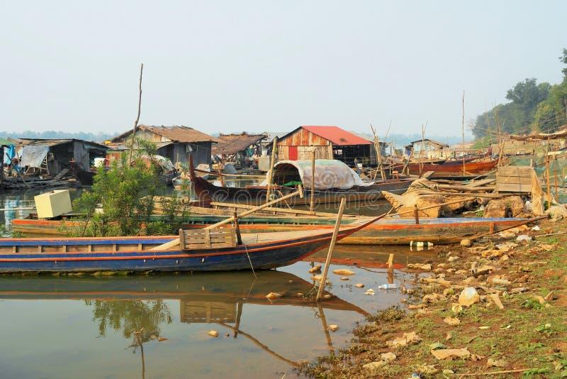 Vila de flutuação em Mekong River imagem de stock