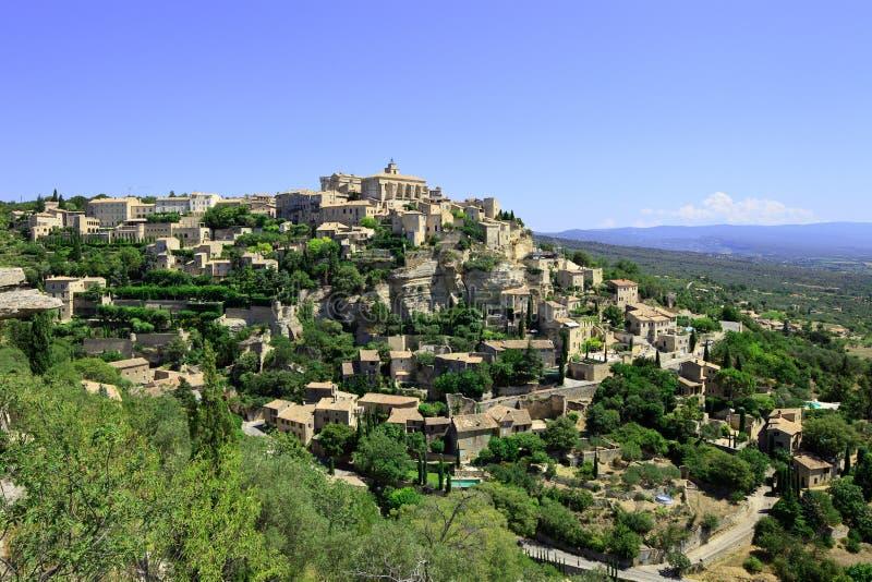 Vila de Gordes no monte da rocha. Luberon, Provence. fotos de stock