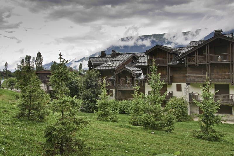 A vila de Le Praz, perto do Vanoise NP fotos de stock