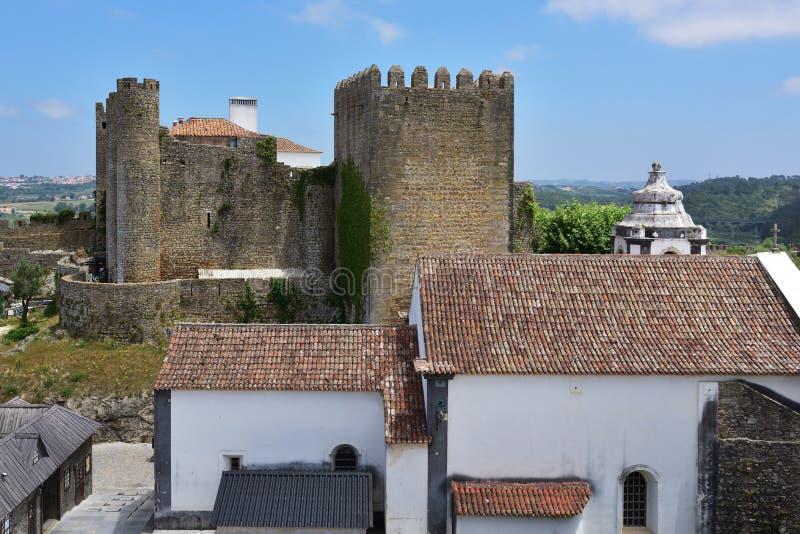 Vila de Obidos e seu castelo Portugal fotografia de stock royalty free
