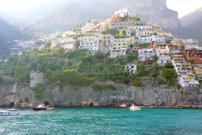 Vila de Positano, vista costa do mar, Amalfi, Itália fotografia de stock