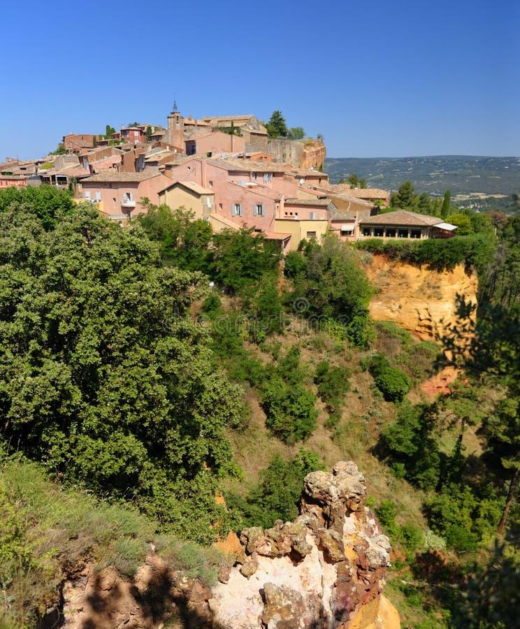 Vila de Rousillon em Provence imagens de stock