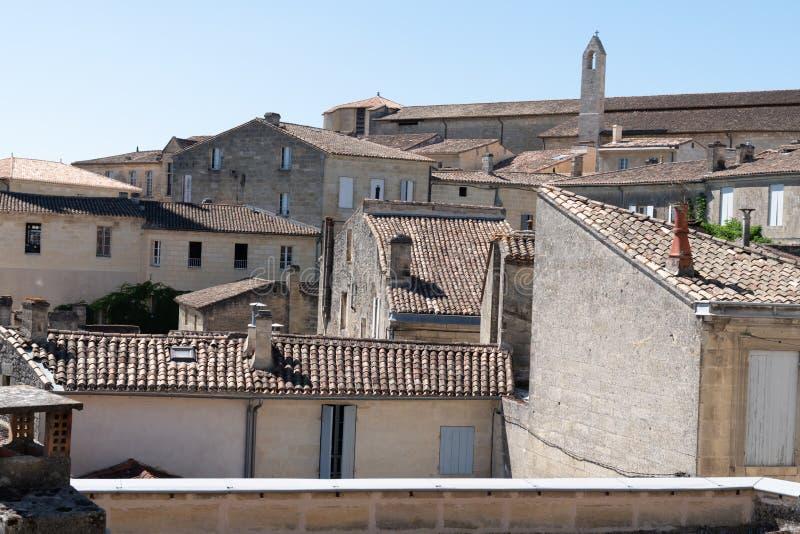 Vila de Saint Emilion na região do Bordéus em França fotografia de stock