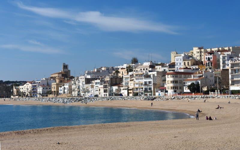 Vila de Sant Pol de Mar na província de Barcelona, Catalonia, termas imagem de stock
