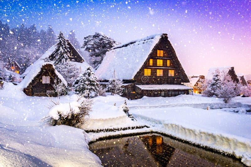 Vila de Shirakawago no inverno imagem de stock royalty free