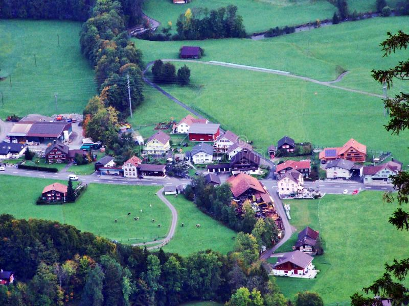 Vila de Starkenbach na região de Toggenburg e no Thur River Valley fotos de stock royalty free