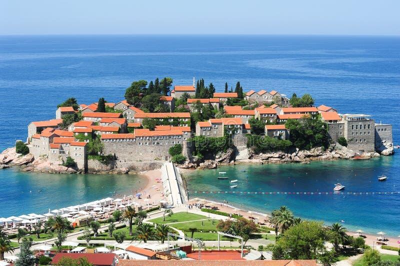 A vila de Sveti Stefan foto de stock