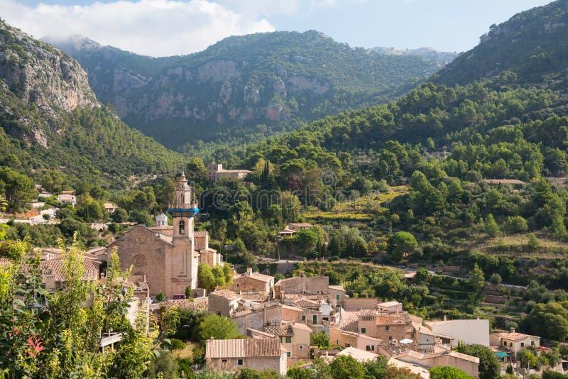 Vila de Valldemossa, ilha de Mallorca, Espanha fotografia de stock royalty free
