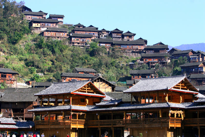 Vila de Xijiang Miao em China a maior fotos de stock royalty free