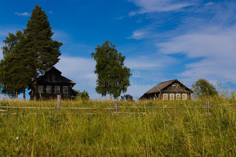 Vila do norte do russo imagem de stock