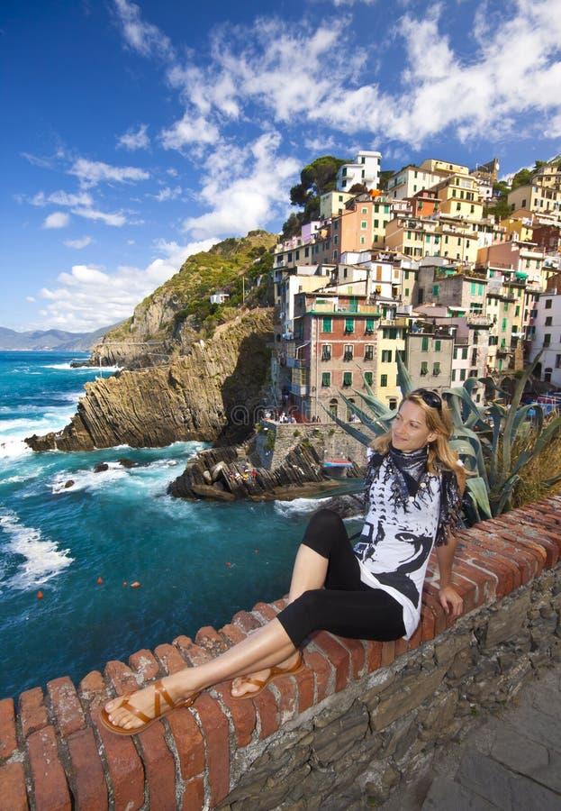 Vila do pescador de Riomaggiore em Cinque Terre foto de stock royalty free