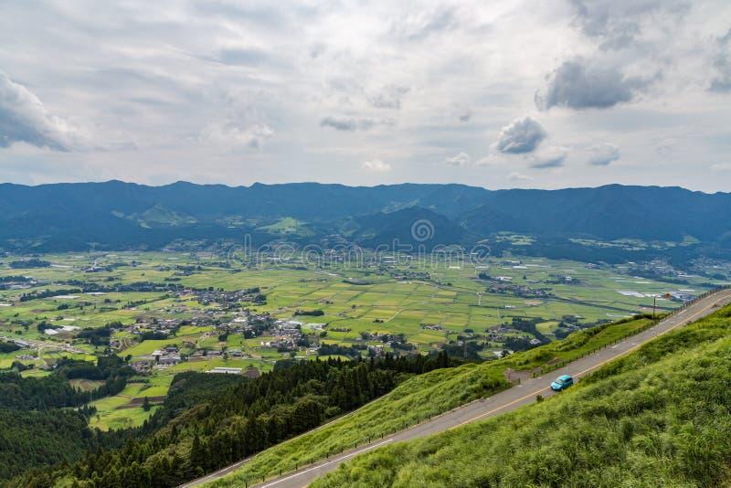 A vila e a agricultura de Aso colocam em Kumamoto, Japão imagens de stock royalty free